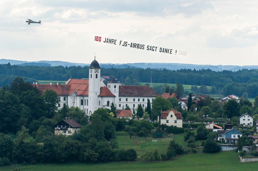 Bannerflüge Knorr fliegen zum 100. Geburtstag von Franz Josef Strauß über München